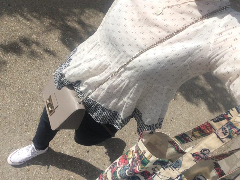 パリ4月の服装