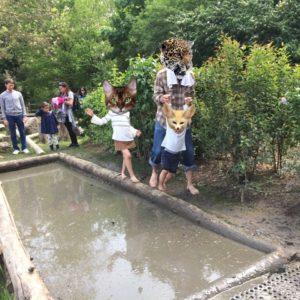 パリの動物園内の泥コーナー