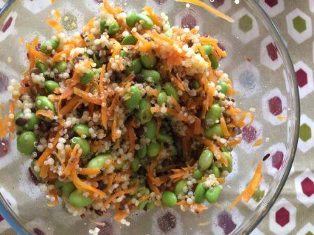 キヌアとアマニオイルのサラダ